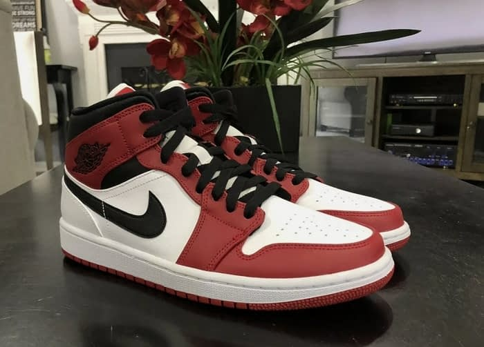 air jordan 1 chicago 2020 white heel 1